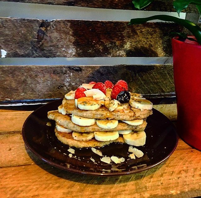 0-banana-pancakes-the-healthy-beard